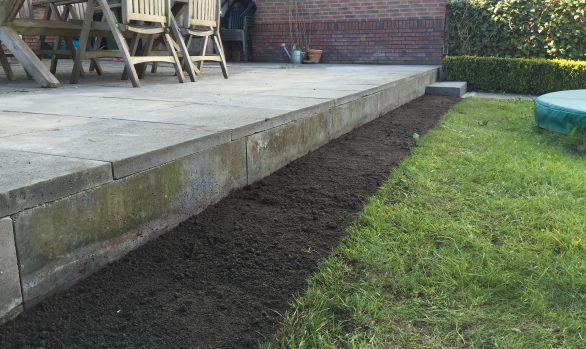 Buitenrand onderheid terras herstellen