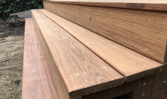 Hardhouten Trap (rustieke planken)